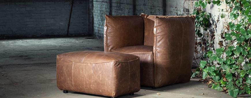 Kleine stoel en poef van woonmerk Jess Design