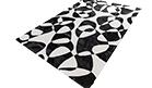karpet-met-zwart-wit-print
